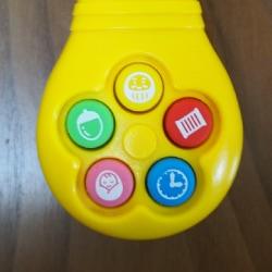 赤ちゃんのボタン音おもちゃ