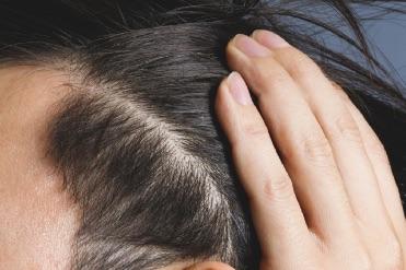 結婚式で新郎の髪型 自分でセットする場合のやり方をご紹介