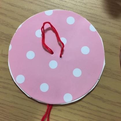 ぶんぶんごま紙皿工作の手順7