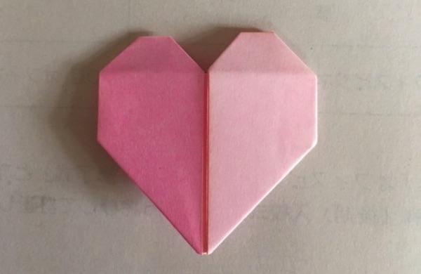 折り紙の2色ハート