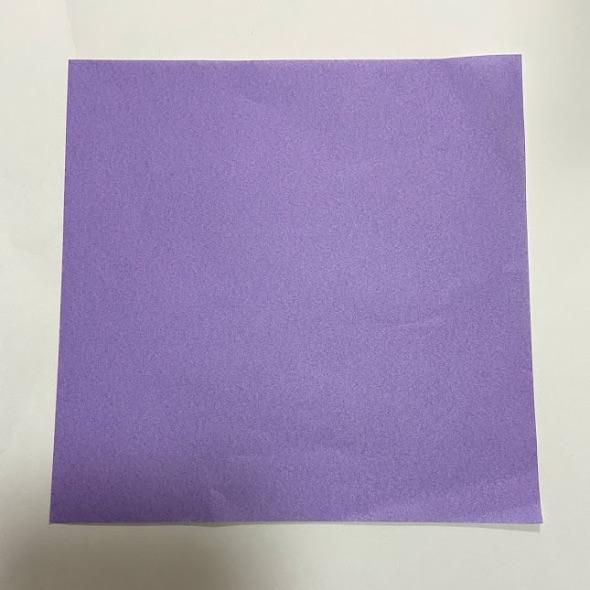 ハートのお手紙を折る正方形の折り紙