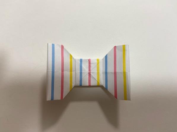 折り紙でリボンが完成