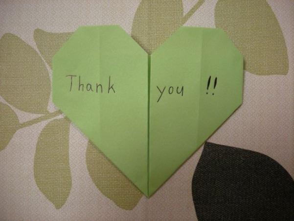 ハートの折り紙でメッセージカード