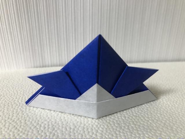 簡単に作れる折り紙の兜