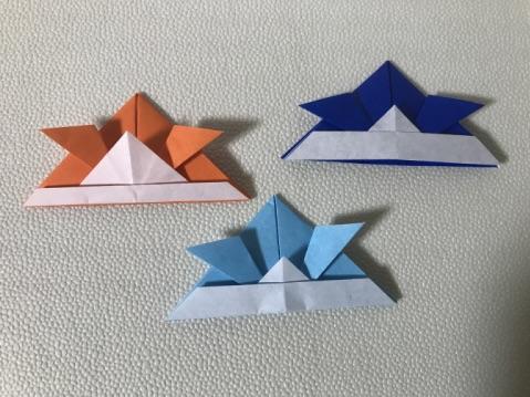 折り紙のかぶと3色