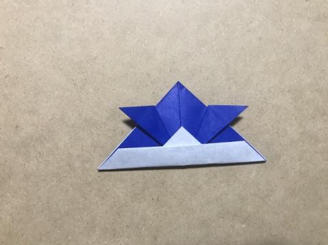 折り紙の兜 出来上がり